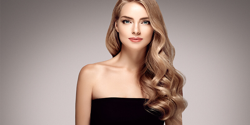 woman with ash blonde hair extensions